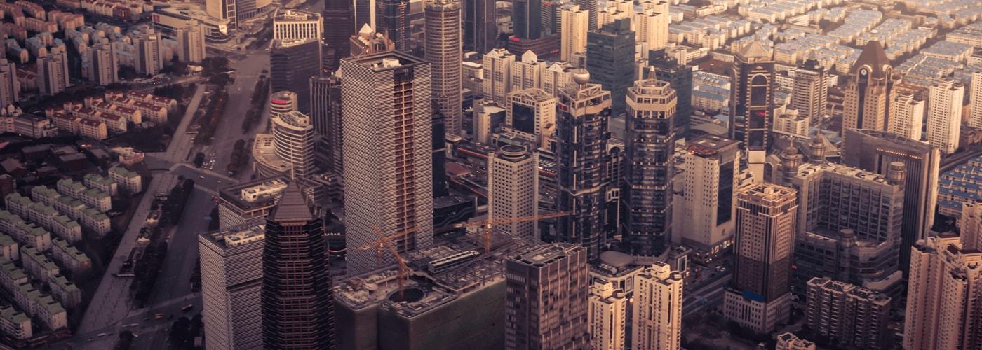 豐富銀行及金融業務經驗